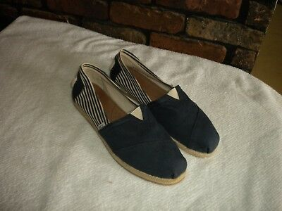 Toms Classic Navy - White Striped Canvas Flat Casual Shoes Women's size 11