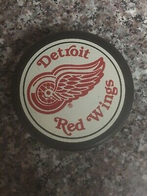 Vtg Detroit Red Wings Trench Official Hockey Puck General Tire Canada