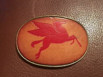 GREAT VINTAGE 1970s MOBIL PEGASUS FLYING HORSE LOGO LEATHER    BUCKLE