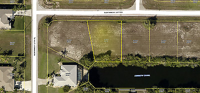 Vacant lot on water Cape Coral Florida