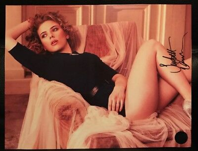Scarlett Johansson Autographed Signed 11x14 Photo With Authentication Hologram