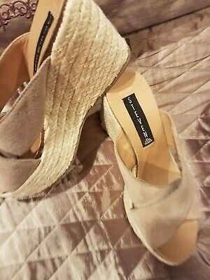 STEVE MADDEN womens sz- 6 B shoes- steven style rope and suede wedge heel slip