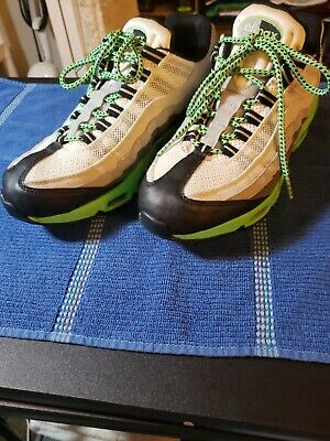 Nike Air Max 95 running shoes size 9