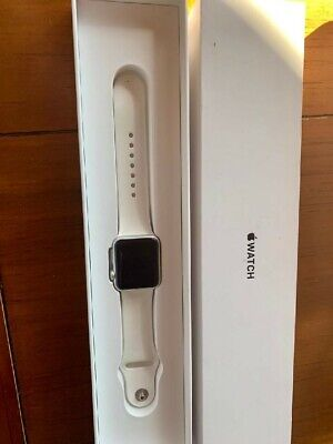 Apple Watch Series 1-  38mm case- Silver Aluminum band- Nice looking watch