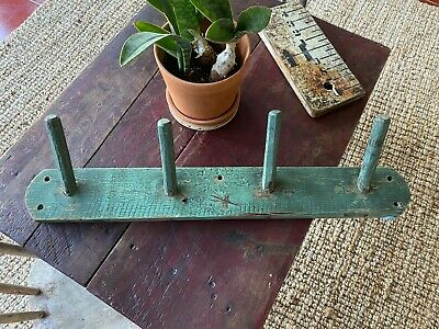AWESOME ANTIQUE  EARLY PAINTED PEG RACK SUPER HEAVY SOLID  NICE FOLK ART AAFA
