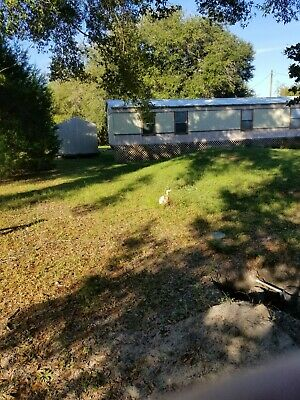 Country Living 22 on 2-5 acres in Bronson FL