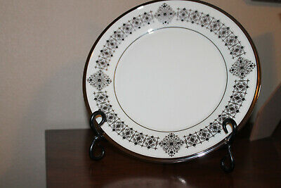 8 LENOX SOLITAIRE IVORY ACCENT LUNCHEON  PLATE  - 9 38