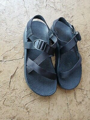 Chaco Mens Vibram Sole All Black Strappy Toe Loop Walking Hiking Sandals Size 10