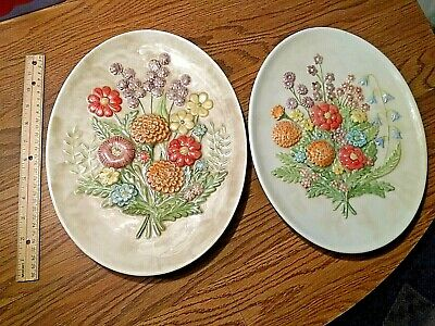 old VINTAGE SET of 2 ceramic wall hanging Plates colorful FLOWERS ODD SEE PIC