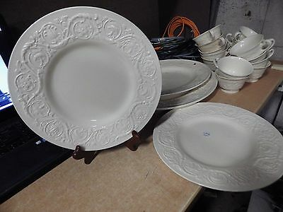 VINTAGE ANTIQUE WEDGWOOD PATRICIAN LOT OF 3 DINNER PLATES 10-5 3
