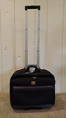 Protege Rolling Travel BagCaseLuggage - Padded Laptop Section 15 Tall Black
