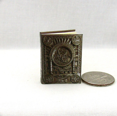 OCCIDO LUMEN Miniature Book Dollhouse 112 Scale Illuminated Medieval Manuscript