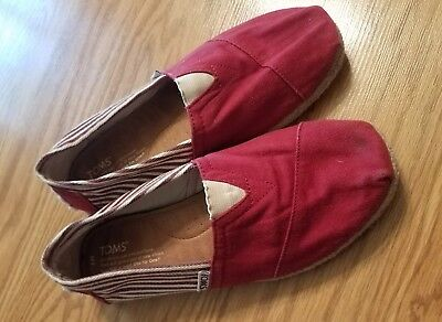 55 WOMENS SIZE 7 TOMS FLATS SHOES RED
