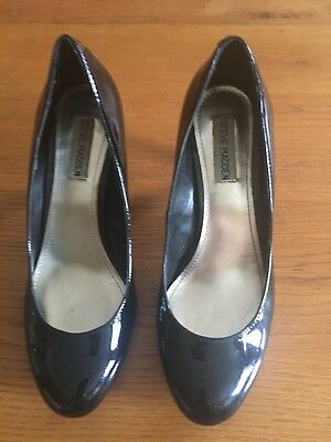 Steve Madden Black Petent Leather Pumps- Size 8-5M
