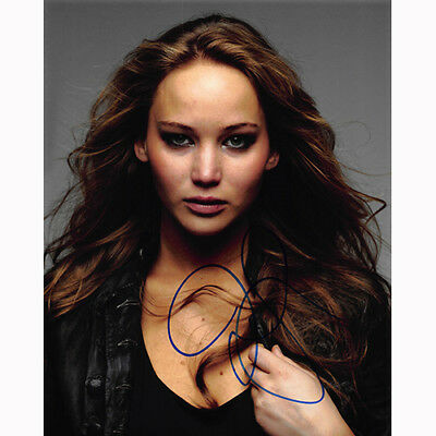 Jennifer Lawrence 19961 - Autographed In Person 8x10 w COA