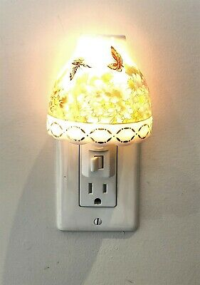 Night Light Chinese Flowers - Butterflies Artisan Hand Crafted Porcelain - New