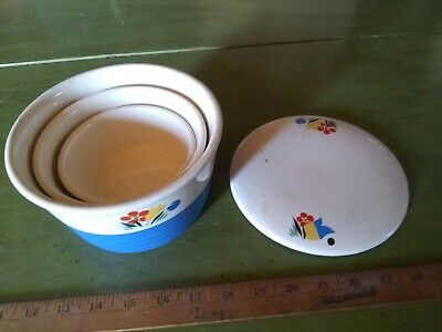 Beautiful vintage 1970s ovenproof ceramic bowl wlids made in the USA
