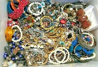 Jewelry Vintage Huge Lot Now Junk Craft Box FULL POUNDS Brooch Necklace Earrings
