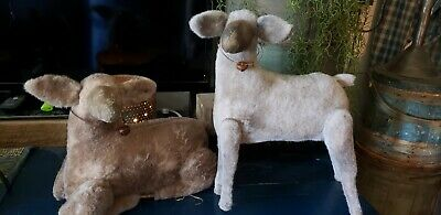 Early Primitive Pair Of Sheep