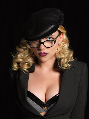 Scarlett Johansson Sexy With Glasses 8x10 Picture Celebrity Print