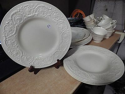VINTAGE ANTIQUE WEDGWOOD PATRICIAN LOT OF 4 DINNER PLATES 10-5 1