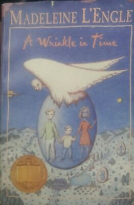 A Wrinkle in Time by Madeleine LEngle 1999 Paperback