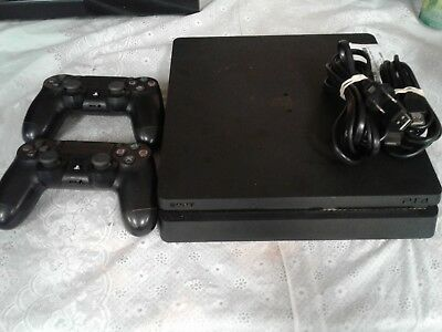 PlayStation 4 Console With 2 Controllers 26046