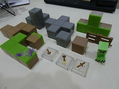 Minecraft Lot of 17 Pieces Creeper Blocks Weapons