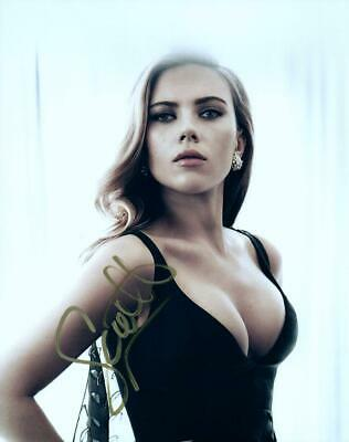 Scarlett Johansson autographed 8x10 Pic signed Photo Very Nice and COA
