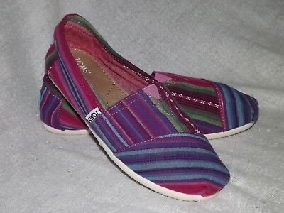 TOMS Womens Pink Blue Striped Classic Canvas Sneaker Loafer Shoes Size 7-5