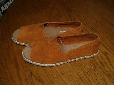 NEW Toms Womens Size 8-5 LEATHER SHOES FLATS OPEN TOE