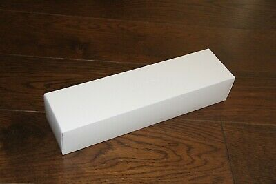 Apple Watch  EMPTY BOX - Small - Med Band - Charger Plug - Manual Series 5 44MM