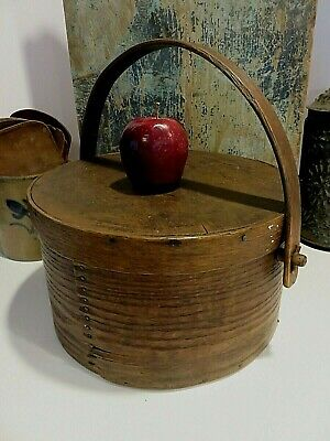 LRG 12 34 EARLY THICK WALLED BAIL HANDLE PANTRY BOX IN ORIGINAL SURFACE AAFA