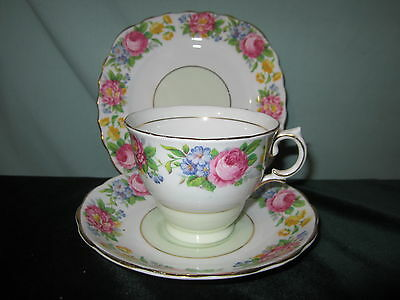 COLCLOUGH BONE CHINA TRIO CUP SAUCER SIDE FLORAL CABBAGE ROSE GOLD TRIM  1089
