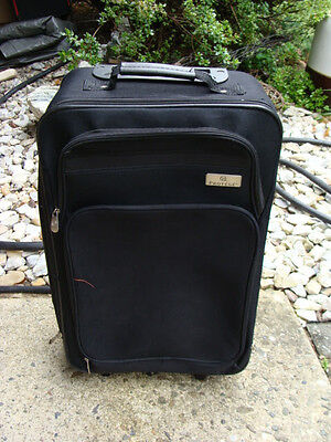 Protege Suitcase Luggage Travel Retractable Handle Wheel Rolling