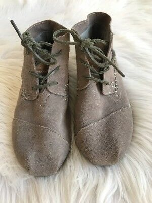 Toms Womens Ankle Lace Up Shoes Size 9 Grey Suede Stitching EUC