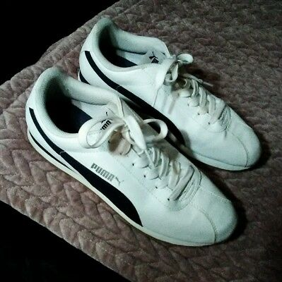 Puma shoes 9-5 running or walking sneakers-Sized for Men-