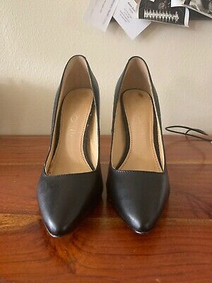 Aldo Stessy Pointed Toe Heels Black Patent Leather Stilletos 6