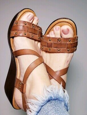 Fossil Womens Wedge Brown Leather Strap Sandals Size 10