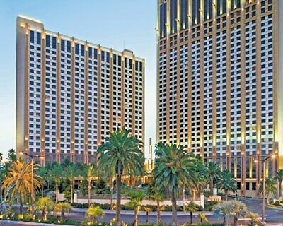 Hilton Grand Vacation on the Boulevard- 14000 Points     FREE 2021 USAGE
