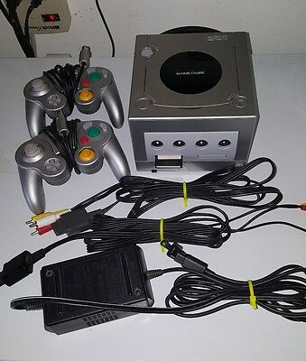 NINTENDO GAME CUBE SYSTEM W 2 Controllers 2 Games All Cords Tested Silver