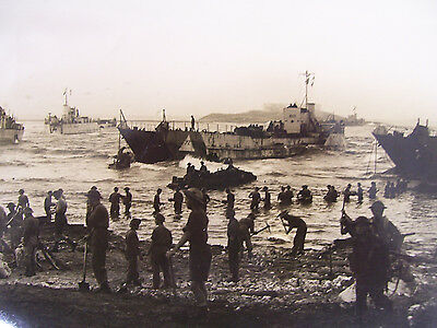 WW2  8x10  PHOTO of THE SICILIAN LANDING in 1943 with INFO SHEET