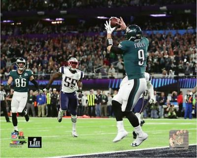Trey Burton Pass To Nick Foles 2018 Eagles Super Bowl LII Official 8x10 Photo