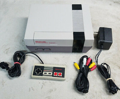 Nintendo NES System Console W Super Mario Bros  Duck Hunt Cleaned 72 Pin