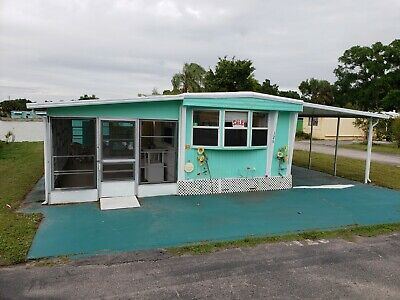 Waterfront Mobile Home in Fort Myers Florida