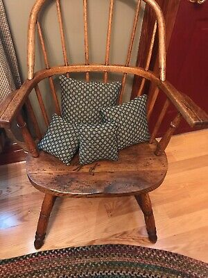 Family Heirloom Weaver Small Throw Pillows Lot Of 4