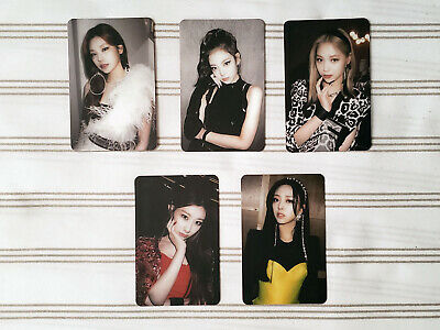ITZY - GUESS WHO - Special Edition - Official Random Photocard