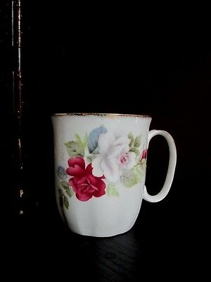 SPRINGFIELD ENGLAND COCOA COFFEE CUP RED - WHITE ROSES LOVELY Vintage Bone China