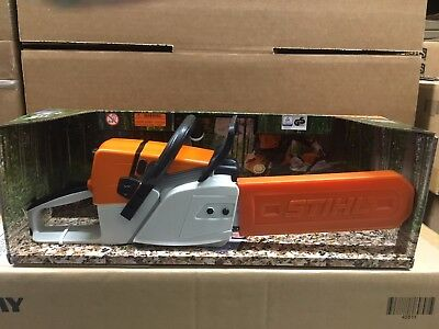 Stihl Toy Chainsaw w Real Chainsaw Sounds   0464 934 0000