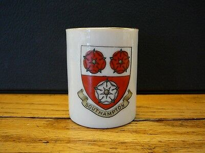VINTAGE WH GOSS CRESTED CHINA SOUTHAMPTON EGG CUP